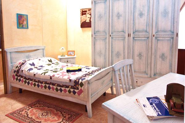 Camere Da Letto Country Bianche.Camere Da Letto Medio Villacidro Campidano Sardegna