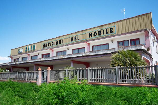 Azienda artigiani del mobile per arredamenti in legno su - Artigiani del mobile ...
